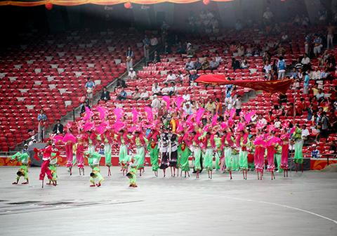 2008年8月海城高跷鸟巢排练现场