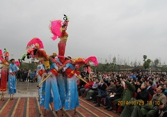 北京2014年高跷参加中国蚌埠花鼓灯艺术节演出